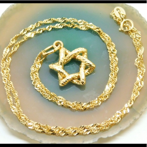SALE14K SOLID GOLD NECKLACE WITH STAR GOLD PENDANT